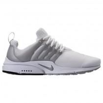 Weiß/Metallisch Silber/Wolf Grau Herren Nike Presto Essential Sneaker 848187 101